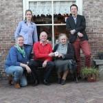 Op de foto, v.l.n.r.: Corine Koek-Maasdam, Aleida den Hollander-Brienen, Jacco Damen, Grietje Post en Kees Vreeken.