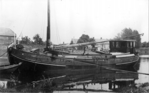 100 jaar geleden vond zandschipper Arie Kreuk de 'zelflosinstallatie' uit.